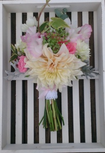 Peachy pink #bouquet #gardengrown #justpickedweddingflowers