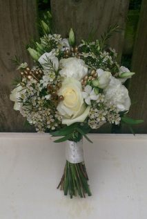 #decadent gold and cream bouquet